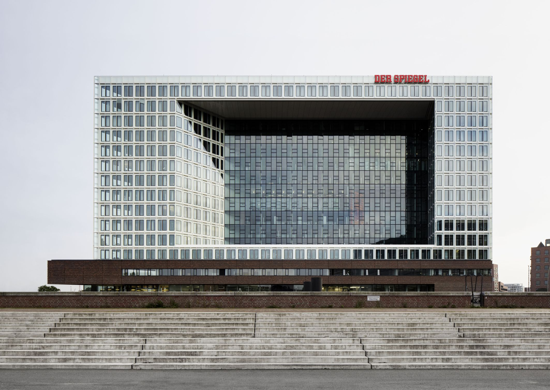 Spiegel neubau hamburg interpane glas industrie ag for Der spiegel hamburg